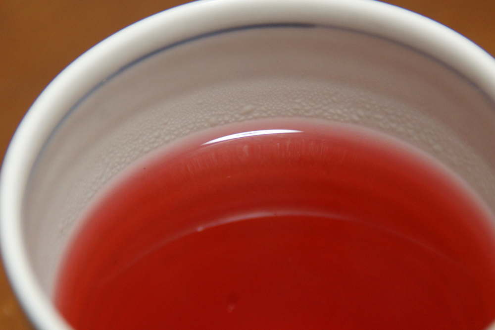 ローゼルのお茶を淹れてみました